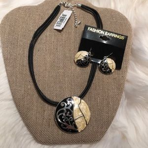 NWT Statement necklace with earrings